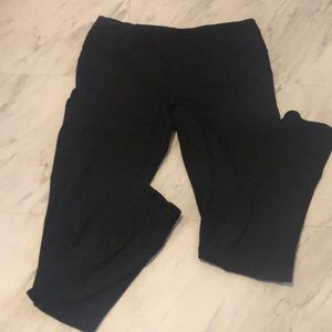 Womens athletic leggings with zipper pockets!